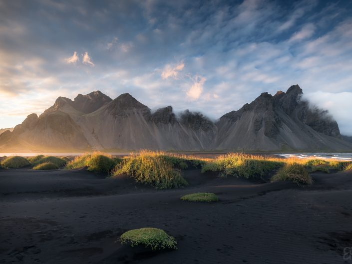 Under majestic Vestrahorn